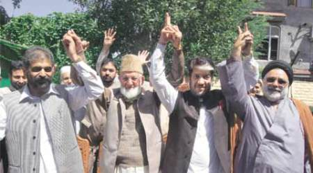 jammu and kashmir, Hurriyat Conference, Syed Ali Shah Geelani, Geelani hurriyat, Separatists, Separatists join hurriyat, Geelani press conference, Geelani residence, Pakistan, jammu and kashmir, jammu and kashmir latest news, india news