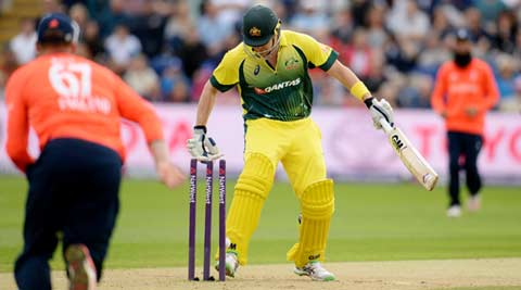 Shane Watson fails to execute trademark move, dismissed in comical fashion