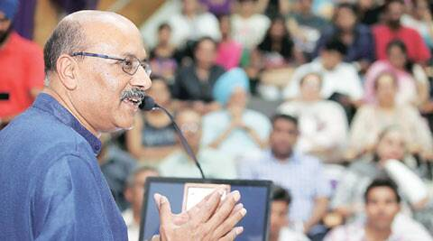 Shekhar Gupta talks news at Panjab University