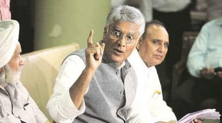 SAD dharnas: Attempt to murder case against Akalis still stands, says SunilJakhar