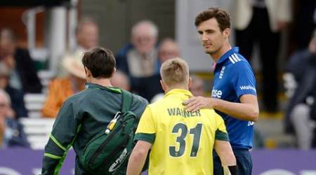 Cricket - England v Australia - Second Royal London One Day International - Lord's - 5/9/15 England's Steven Finn consoles Australia's David Warner as he leaves the field injured Action Images via Reuters / Philip Brown Livepic