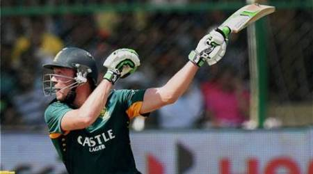 Kanpur:  South African captain AB De Villiers in action in the first ODI between India and  South Africa in Kanpur on Sunday. PTI Photo by Shirish Shete(PTI10_11_2015_000029A)