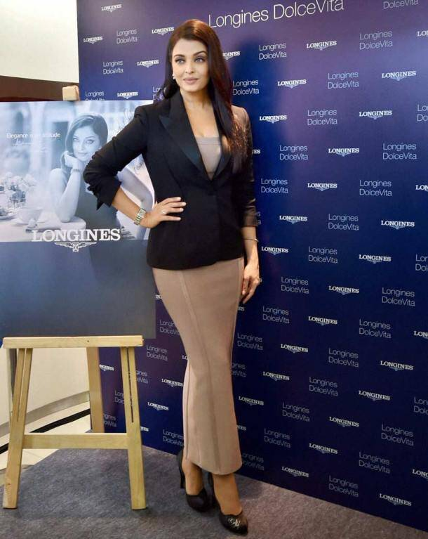 aishwarya rai bachchan, aishwarya rai bachchan pics, aishwarya rai bachchan in delhi, aishwarya rai bachchan watch launch, aishwarya rai bachchan pictures, aishwarya, aishwarya pics, aishwarya pictures, aishwarya rai pics, aishwarya rai pictures, aishwarya rai in delhi, entertainment, bollywood, jazbaa