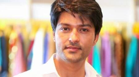 Anas Rashid turns singer on TV show