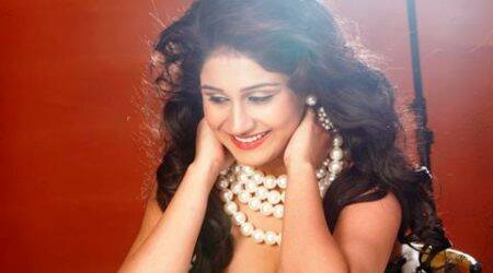 Debutante to show India's 'brighter side' in 'Yeh HaiIndia'