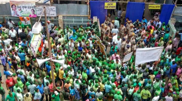 Trinamool Congress supporters outside a counting centre in Bidhannagar in Kolkata (Express photo by Subham Dutta)