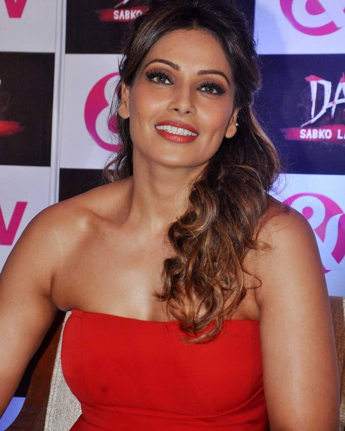 Apologise, but, Bipasha basu hot naked picher and have
