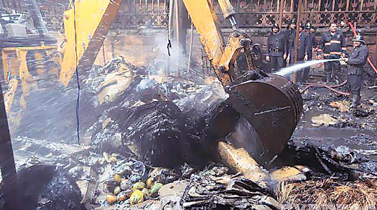 crawford market, mumbai fire, crawford market fire, crawford market fire, crawford fire, mumbai news, india news
