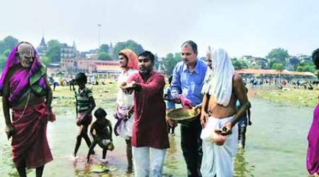 Pind daan for Mohammad Akhlaq in Gaya temple