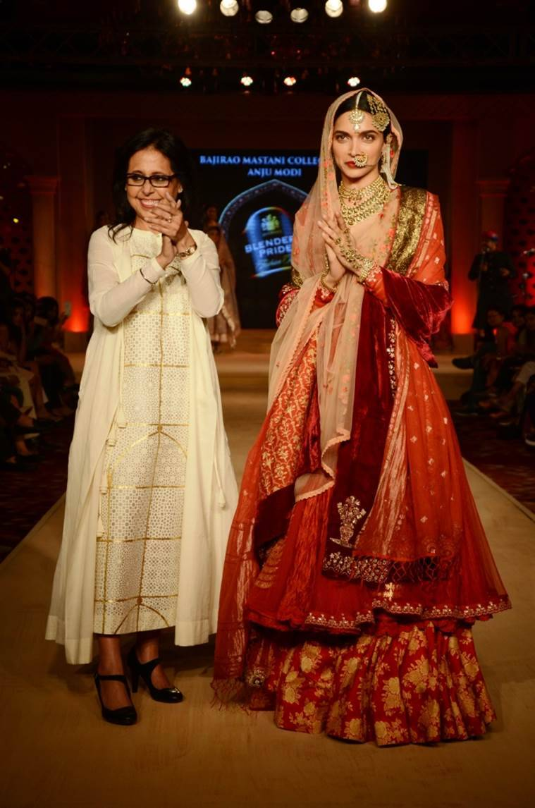 Dressing Up The Marathas Anju Modi On How She Dressed Up Deepika As Mastani And Ranveer As Bajirao Entertainment News The Indian Express