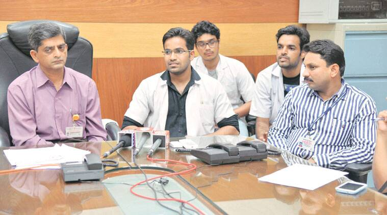 Sassoon hospital dean Ajay Chandanwale addresses a press conference on Thursday. (Source: Express photo by Tanmay Thombre)