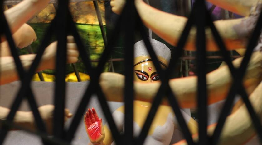 'Concealment': A series of pictures on idol making shot through minimum spaces 1