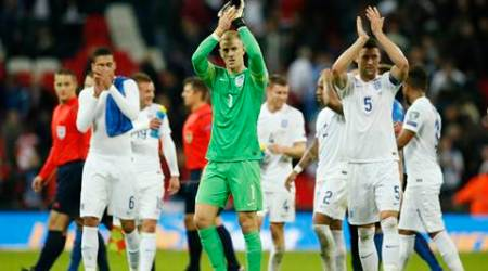 Football - England v Estonia - UEFA Euro 2016 Qualifying Group E - Wembley Stadium, London, England - 9/10/15 England's Joe Hart and Gary Cahill applaud their fans at the end of the match Action Images via Reuters / John Sibley Livepic EDITORIAL USE ONLY.