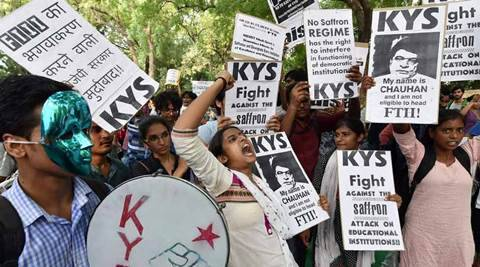 I&B secretary can chair FTII, say students