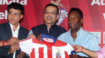 From left to right : Co -owner of  of Atletico de Kolkata Harshvardhan Neotia, sourav Ganguly, Sanjiv Goenka, legend footballer Pele and other Co-owner Utsav Parekh during a press conference in Kolkata on Monday. Express photo by Partha Paul. Kolkata.12.10.15
