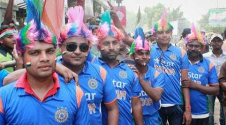 Cuttack: Cricket fans wait in a queue to get inside the Barabati stadium in Cuttack to watch Inda - SA 2nd T20 International match on Monday. PTI Photo(PTI10_5_2015_000113A) *** Local Caption ***