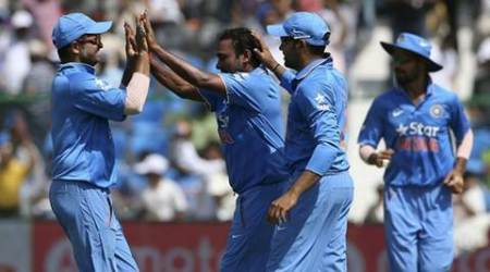India's Suresh Raina, Amit Mishra, Rohit Sharma and Shikhar Dhawan (L-R) celebrate the dismissal of South Africa's David Miller during their first one-day international cricket match in Kanpur, India, October 11, 2015. REUTERS/Adnan Abidi