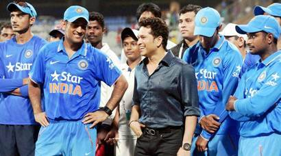 Mumbai: Bharat Ratna Sachin Tendulkar along with India team during a one day match played in Mumbai between India Vs South Africa  on Sunday. PTI Photo by Santosh Hirlekar(PTI10_25_2015_000333b)