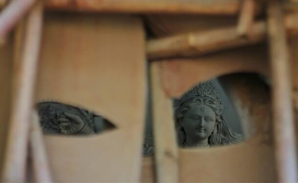 Concealment: A look at Durga Puja idol making through minimum spaces