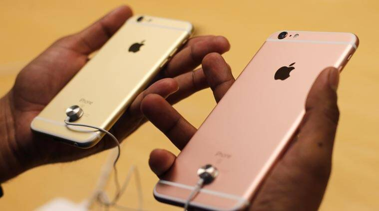 iPhone 6s and iPhone 6s Plus come with a new 3D Touch technology. (Source; Reuters)