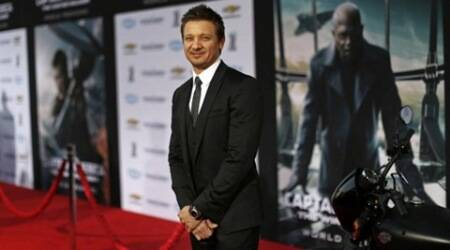 Helping female co-stars get equal pay not my job: JeremyRenner