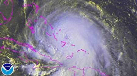 Hurricane Joaquin hits Bahamas, US landfall not certain