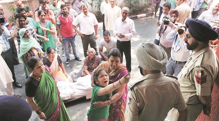 suicide, home guard suicide, chandigarh suicide, chandigarh police, chandigarh news, indian express