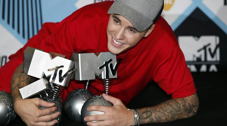 Justin Bieber, MTV Europe Music Awards, Justin Bieber wins five MTV EMAs, Justin Bieber MTV EMA, Justin Bieber Wins EMA Award, Justin Bieber Europe Music Awards, Entertainment news