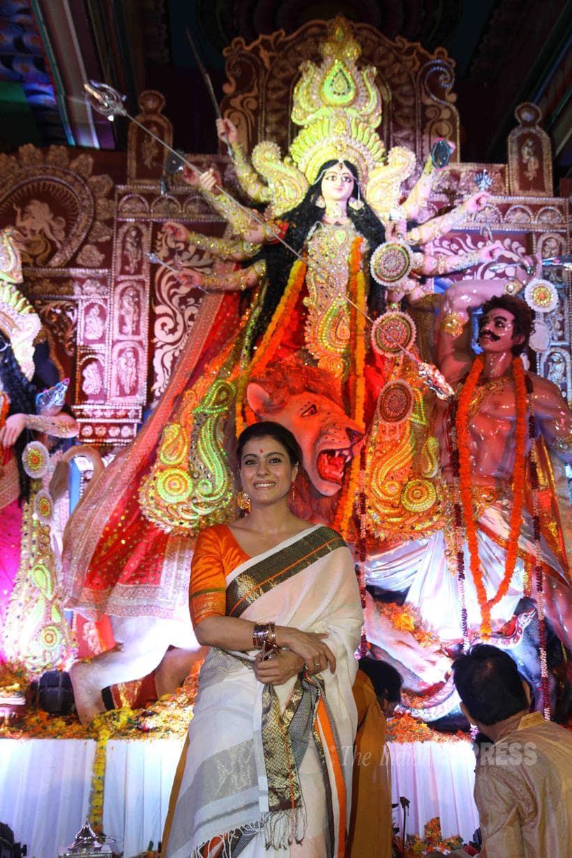 kajol, kajol durga puja, kajol tanishaa, kajol durga puja celebrations, kajol tanuja, kajol sister, kajol mother, tanuja, tanishaa mukerji, sharbani mukherji, anurag basu