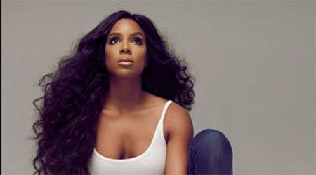 Kelly Rowland releases new single 'Dumb'
