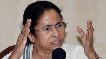Mamata Banerjee hits out at Karnataka Governor for not inviting Congress-JD(S) alliance
