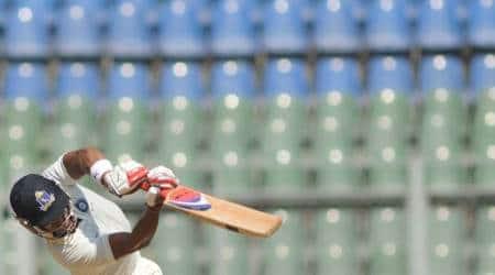 Ranji Trophy 2017: Manoj Tiwary, Sudeep Chatterjee dismissals peg Bengal back against Delhi