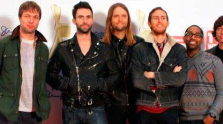 Maroon 5 in talks for Super Bowl Halftime Show?