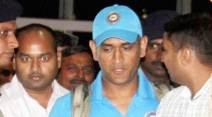 Lucknow: Cricket captain M S Dhoni arrives at Lucknow airport on Friday ahead of One-day against South -Africa in Kanpur.   PTI Photo by Nand Kumar  (PTI10_9_2015_000299B)