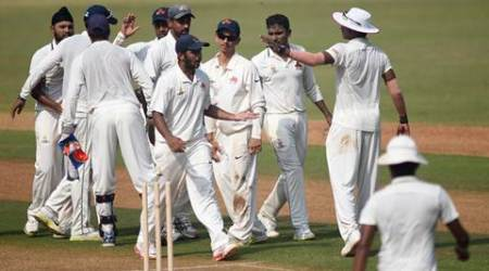 Mumbai bundle out Punjab for 154 on Day 1