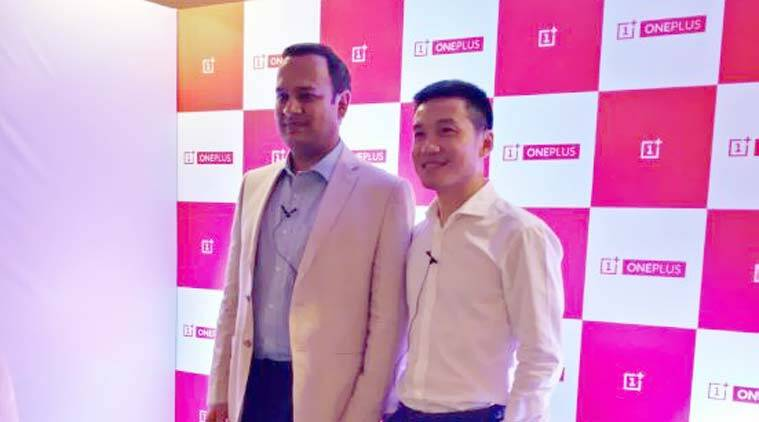 OnePlus CEO Pete Lau with OnePlus India General Manager Vikas Agarwal at the Bangalore event. (Source: OnePlus Facebook Page)