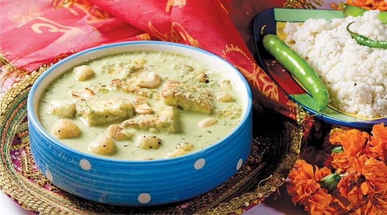 Makhane aur Paneer Curry recipe