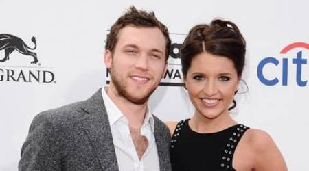 'American Idol' alum Phillip Phillips marries Hannah Blackwell