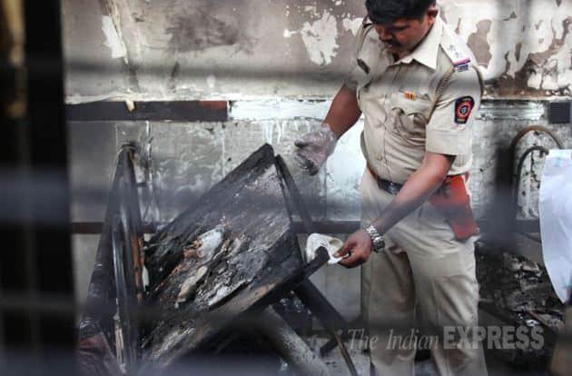 cylinder blast, Fire Broke Down, cylinder blast mumbai, 8 killed in blast, mumbai cylinder blast, 8 killed in cylinder blast, cylinder blast mumbai hotel, mumbai hotel cylinder blast, mumbai news, latest news mumbai