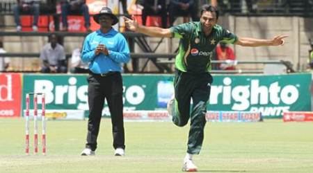 Pakistan bowler Bilal Asif celebrtaes the wicket of Zimbabwean batsman Brian Chari during  the One Day International Cricket match between Zimbabwe and Pakistan in Harare, Monday, Oct. 5, 2015. (AP Photo/Tsvangirayi Mukwazhi)