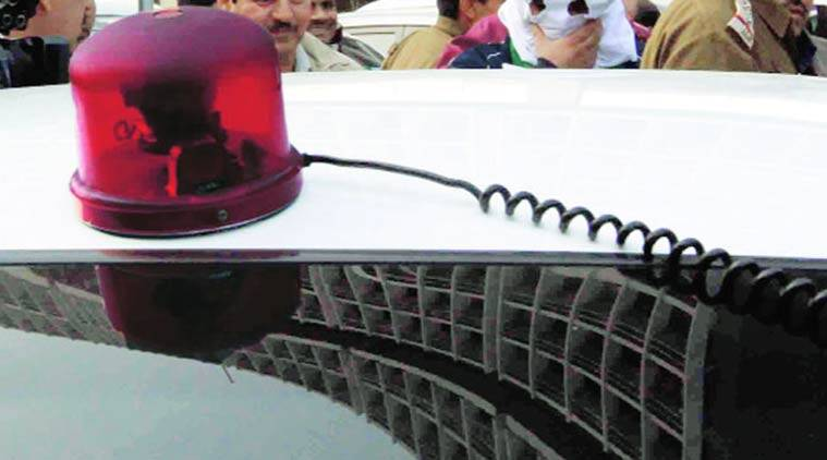 red beacon, red beacon light, vvip culture, lal batti, lal batti cars, vvip cars, vvip convoy, news, latest news,