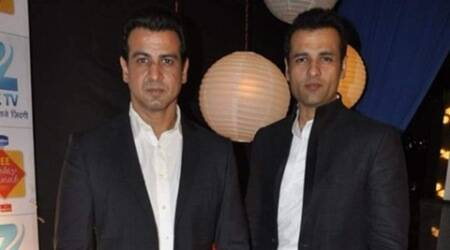 Rohit Roy pens script for brother RonitRoy