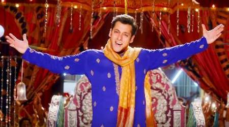 Salman's here with his 'Prem Leela' from 'Prem Ratan Dhan Payo'