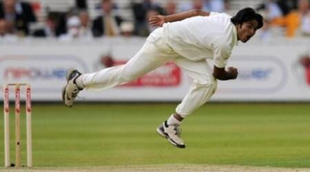Bangladesh's Shahadat Hossain bowls during the first cricket test match against England at Lord's cricket ground in London May 27, 2010.    REUTERS/Philip Brown/Files