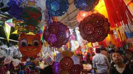 Eye on revenue, MC nod for 2,500 stalls despite traffic police plea