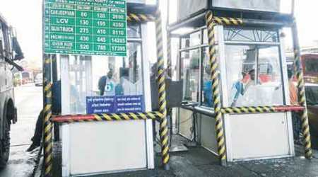 Mob vandalises toll booth