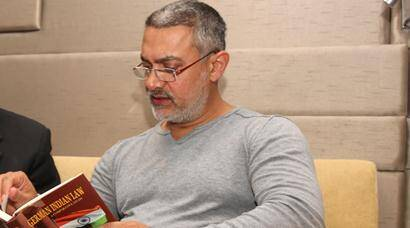 aamir khan, aamir khan pics, aamir khan dangal pics, aamir khan dangal, aamir khan pictures, aamir khan in ludhiana, aamir khan ludhiana pics, aamir khan leaves from ludhiana, aamir khan shooting pics, aamir khan movies, aamir khan latest news, entertainment, bollywood