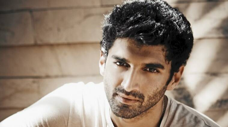 Aditya Roy Kapur along with his team had another reason to celebrate, as with the birthday joy, they also brought the schedule of Fitoor to an end.