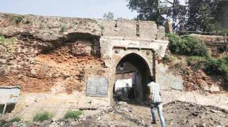 Ahmedabad: 600-yr-old fort wall crumbles as AMC focuses on Riverfront