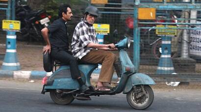 Amitabh Bachchan drives scooter with Nawazuddin Siddiqui for 'Te3n'